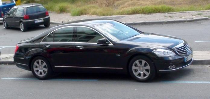 LUXURY CAR VIP 3 + 1
